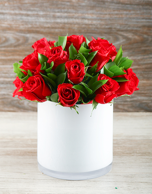 coloured-vases: Red Roses Admiration!
