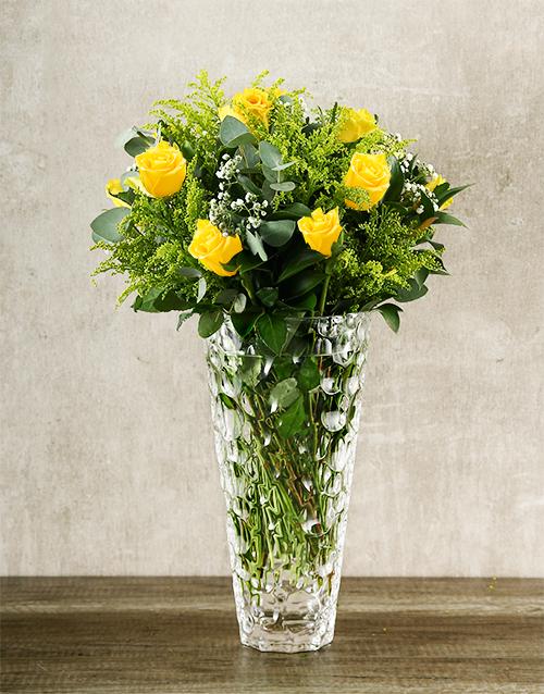 roses: Elegant Yellow Roses in Crystal Vase!