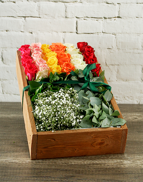colour: Mixed Roses Box Delight!