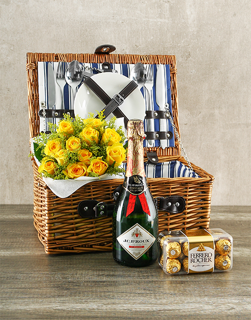 roses: Yellow Rose Picnic Basket!