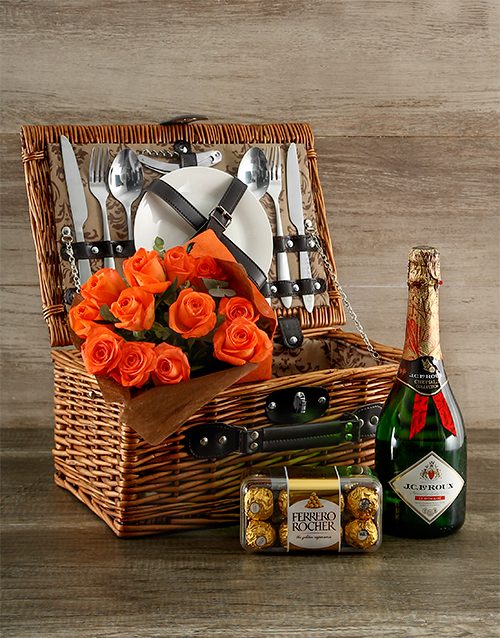 gourmet: Orange Affair Picnic Basket!