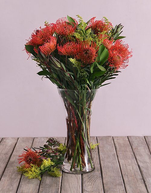 seasonal: Pincushion Proteas in Small Flair Vase!