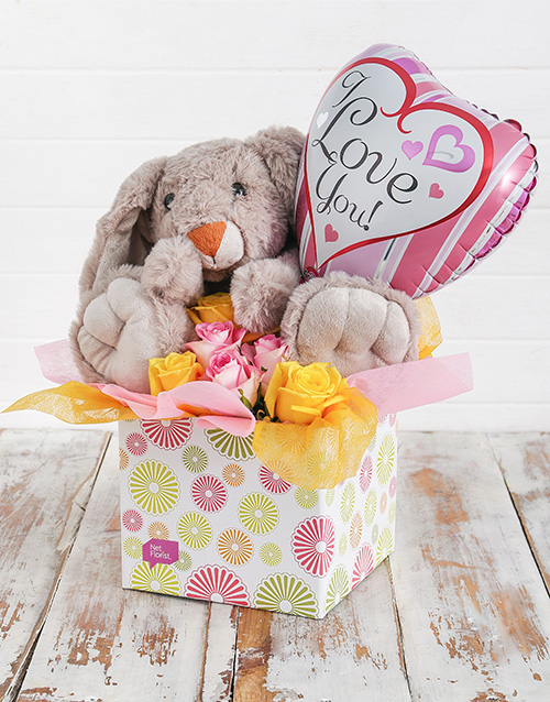 teddy-bears: Rabbit Roses and Love You Balloon Box!