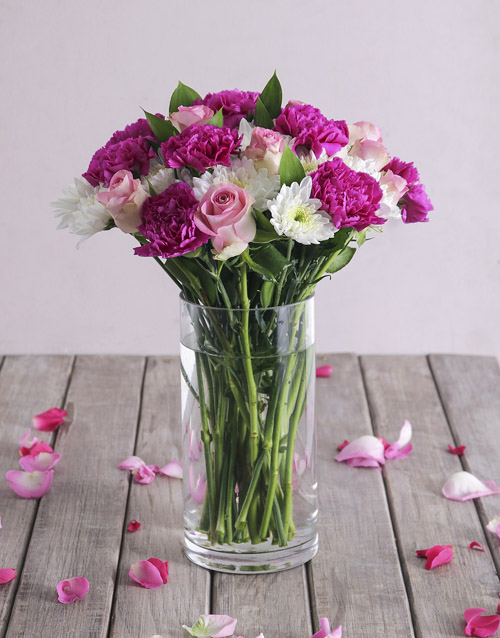 vase: Pink and White Florals in Clear Vase!