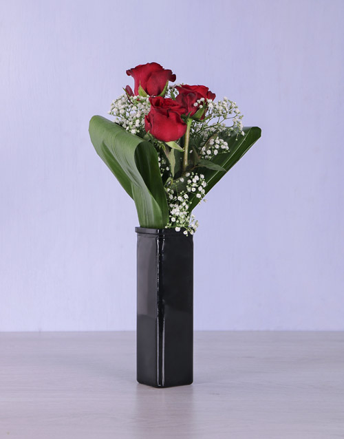 coloured-vases: Say it with Red Roses!