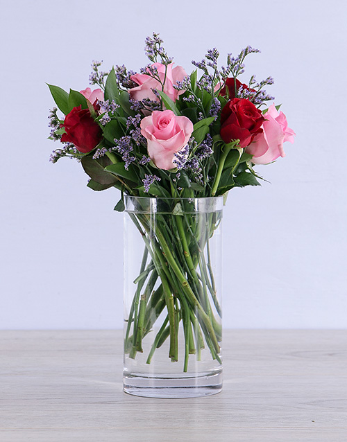 vase: Dreamy Mixed Roses in Clear Vase!