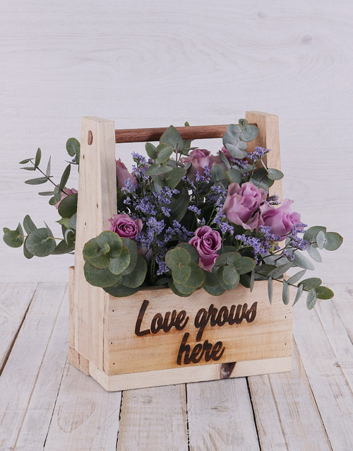 colour: Purple Roses in Wooden Holder!