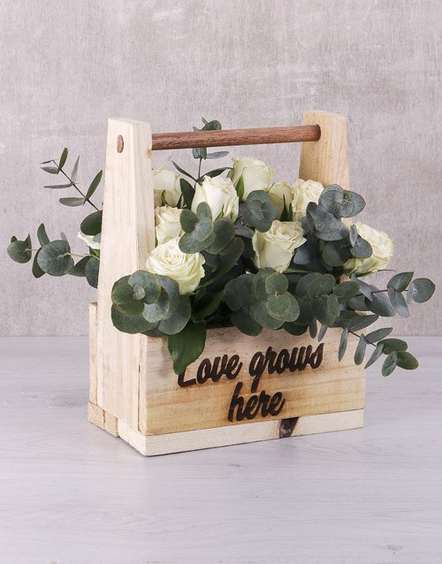colour: White Roses in Wooden Crate!