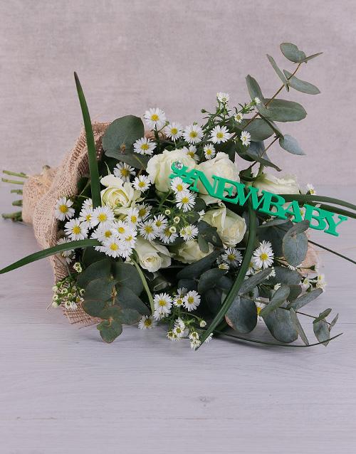 colour: New Baby White Roses!