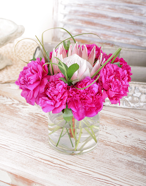 flowers: King Protea and Cerise Peonies!