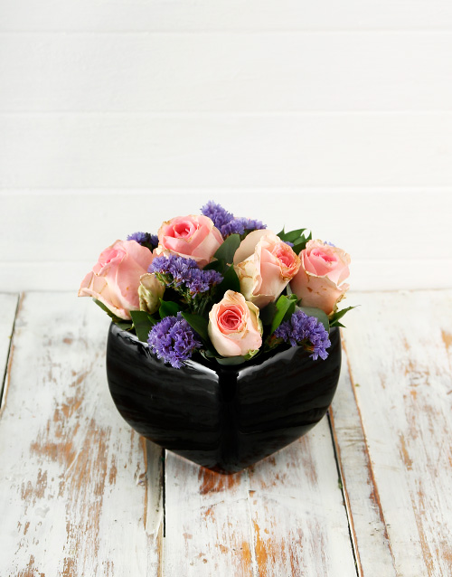 pottery: Pink Roses in a Black Pottery Vase!