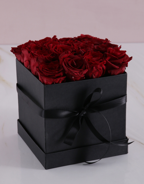 silk: Red Preserved Roses in a Black Box!