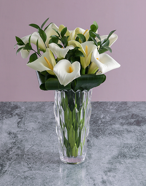 colour: White Lilies in Crystal Vase!