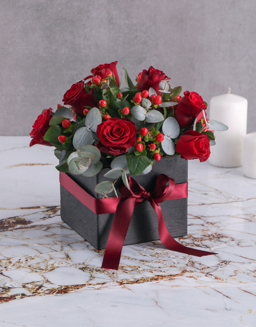anniversary: Hypericum and Red Rose Box!