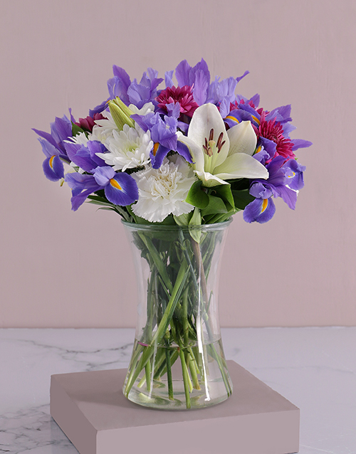 colour: White Lilies and Iris Flair!