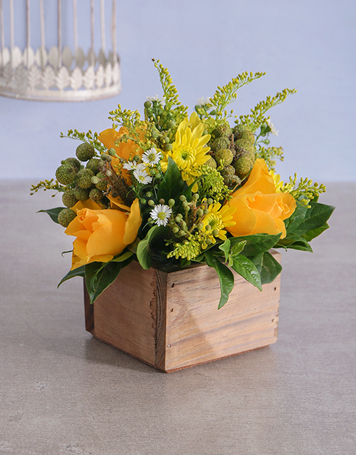 colour: Gold Florals in a Wooden Crate!
