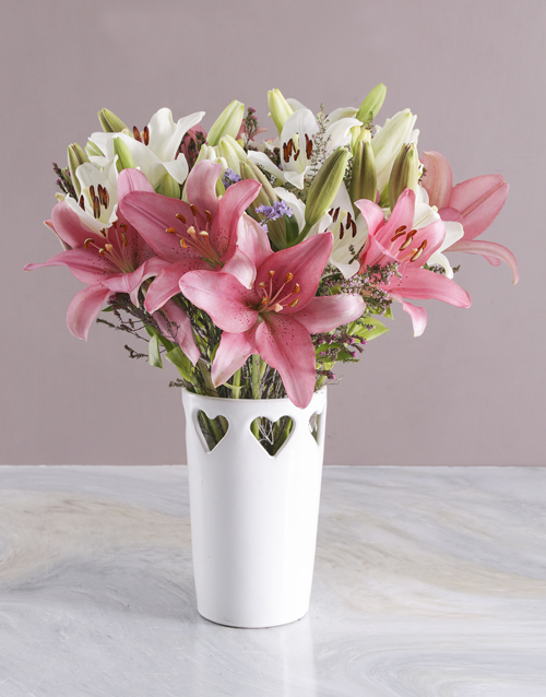 colour: Asiflorum Lilies in Heart Pattern Vase!