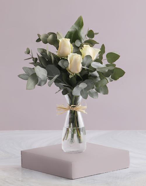 flowers: Trio of Cream Roses in Carafe!