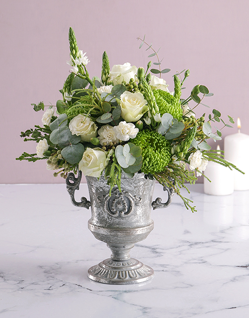 flowers: Thank You Pretty Florals in Hatbox!