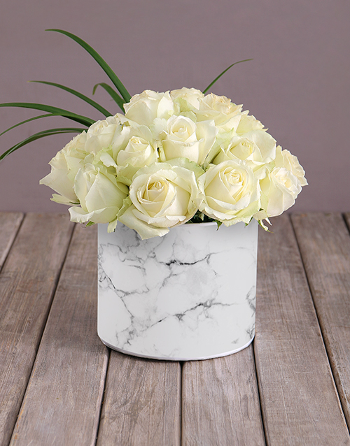 roses: Star White Roses In Hat Box!