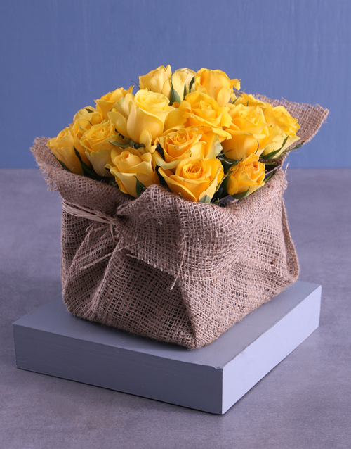 flowers: Yellow Roses Galore In Box!
