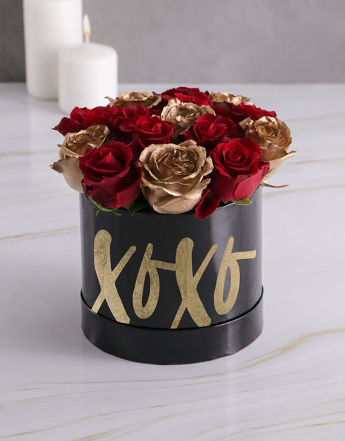 love-and-romance: XO Mixed Flowers Hat Box!