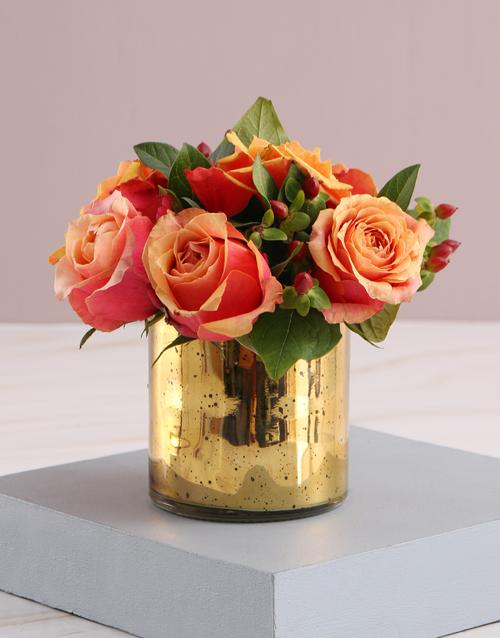 flowers: Cherry Brandy Roses in Golden Vase!