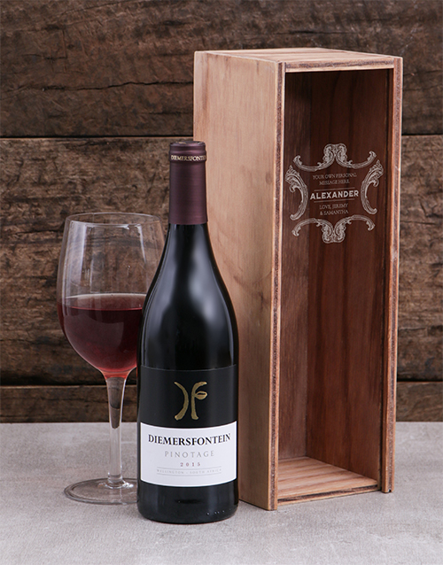 fine-alcohol: Personalised Classic Frame Wine Crate!