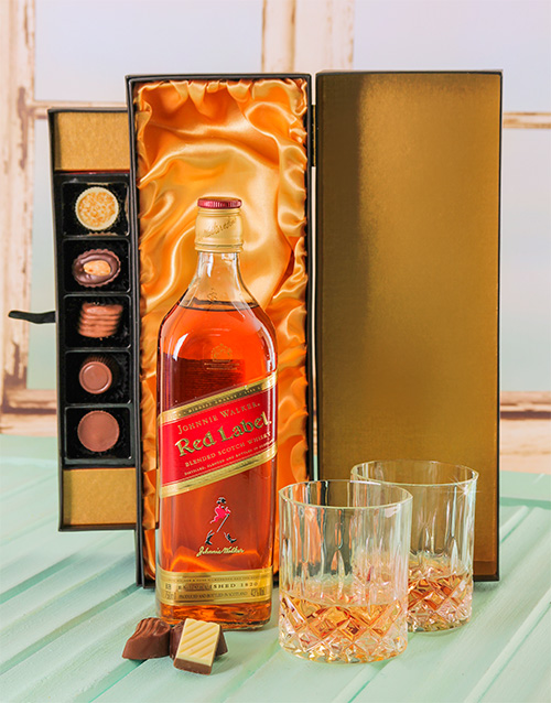 fine-alcohol: Johnnie Walker Whiskey & Chocolate Luxury Gift Set!