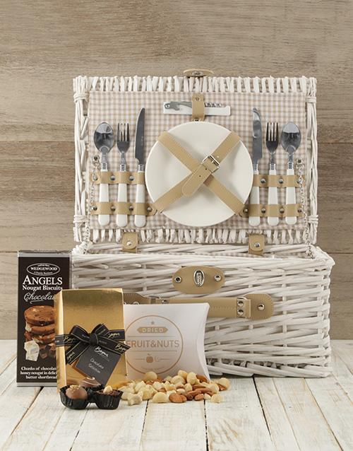 gourmet: Made in Heaven Picnic Basket!