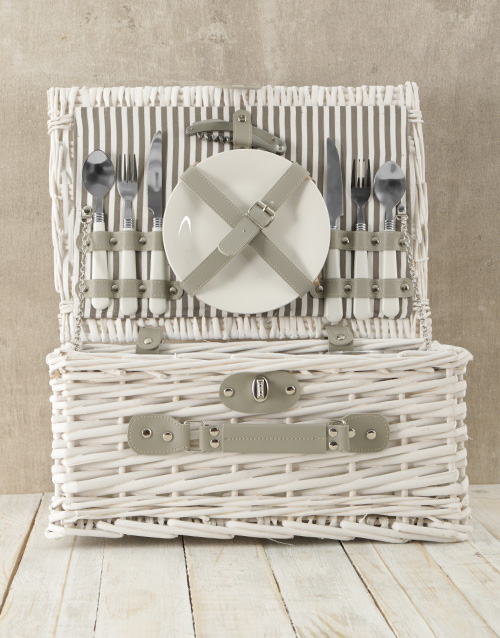 gourmet: Two Person White & Grey Picnic Basket!