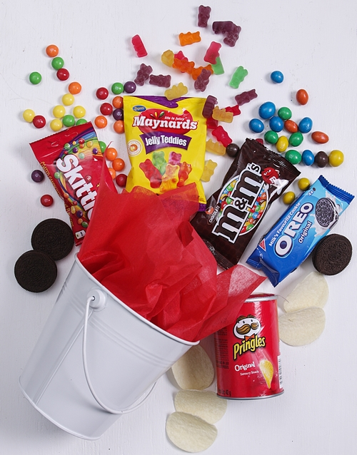 easter: White Bucket of Sweet Treats!