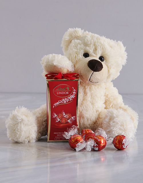 christmas: Snowy Bear and Lindt Chocolate!