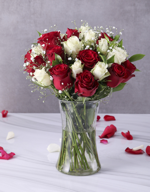 roses: Red and White Roses in Clear Vase!
