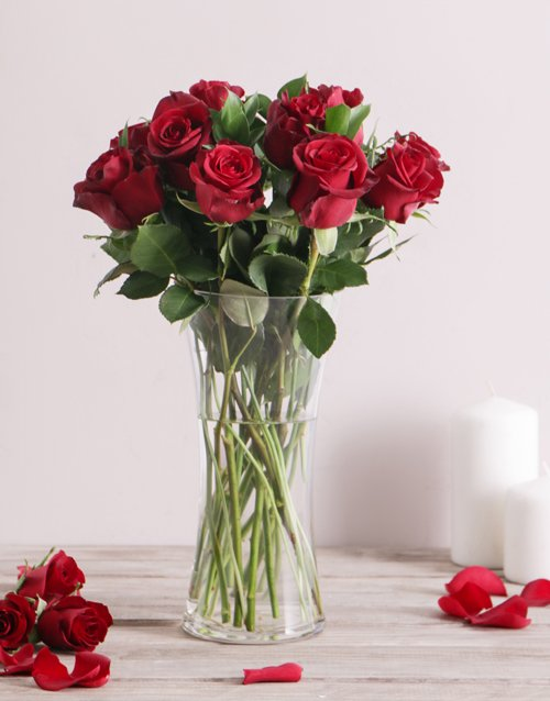 roses: Red Roses in a Flair Vase!