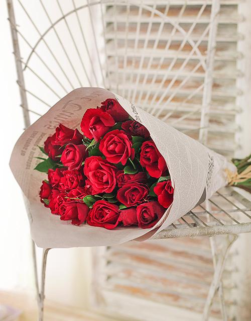 flowers: Red Roses in Stylised NetFlorist Paper!